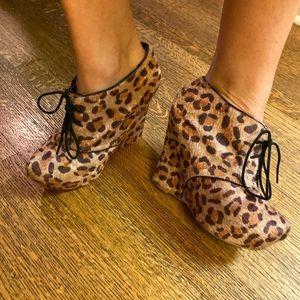 """Fahrenheit leopard boutique 5"""" booties"""